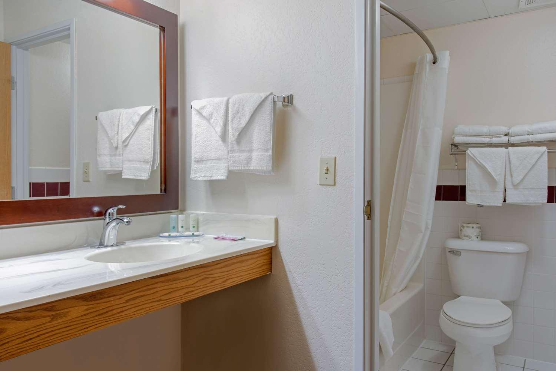 Suite - Quality Inn & Suites New Prague