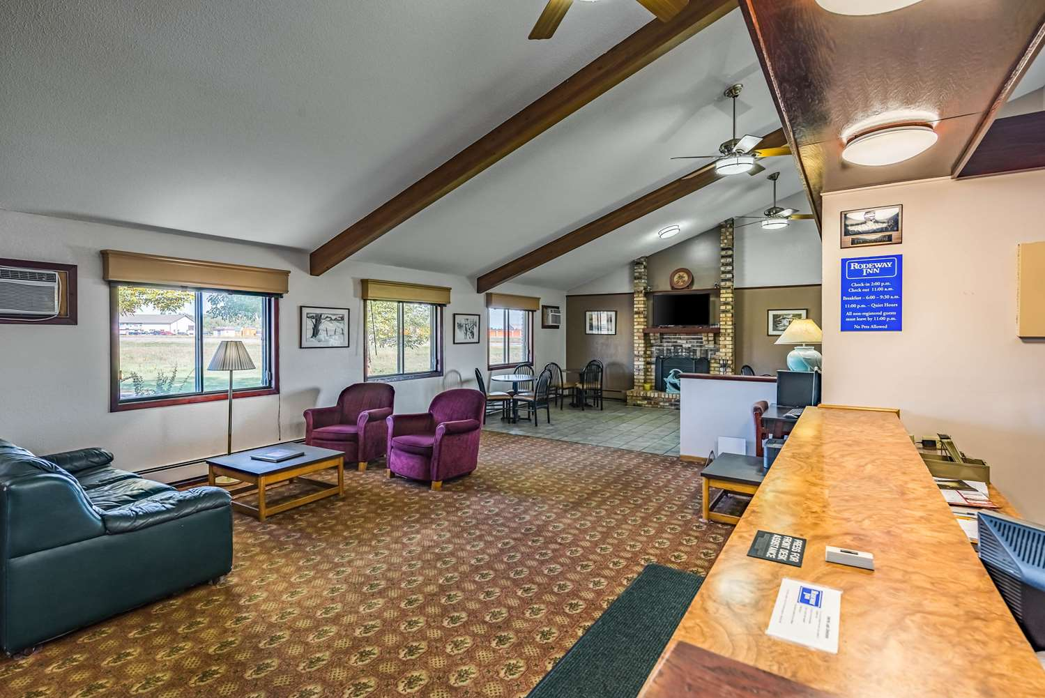 Lobby - Rodeway Inn Saint Joseph