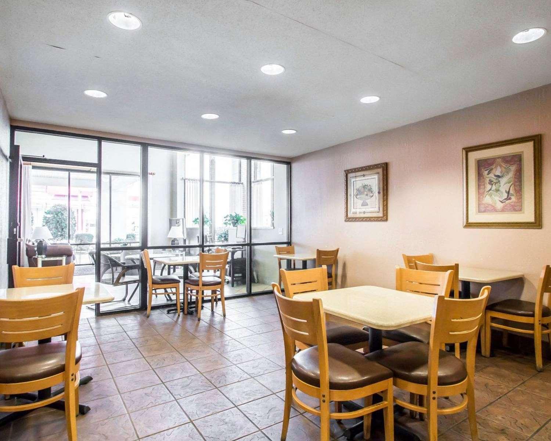 Restaurant - Econo Lodge East Springfield
