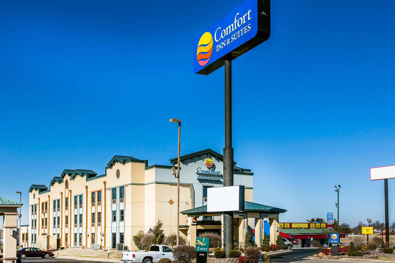 Exterior view - Comfort Inn & Suites North Springfield