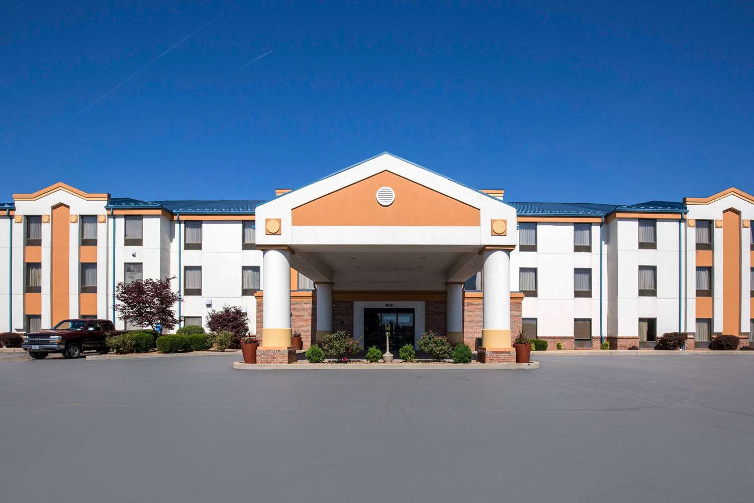 Exterior view - Quality Inn & Suites Arnold