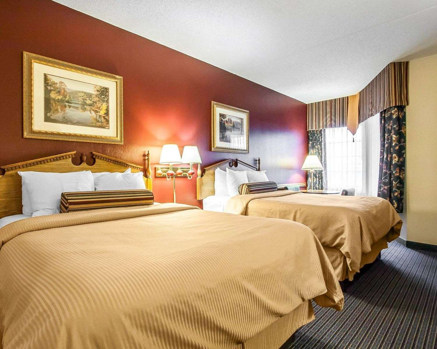 Room - Clarion Hotel at the Palace Branson
