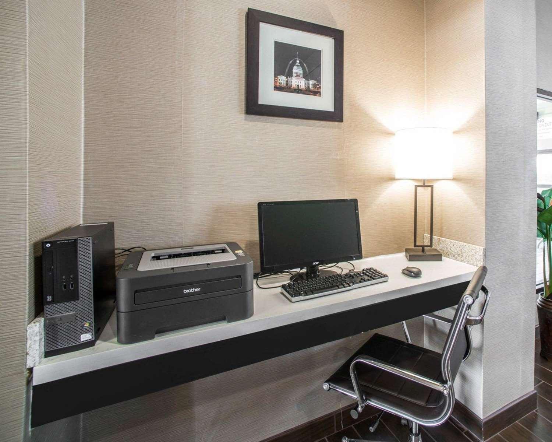 Conference Area - Comfort Inn & Suites Hazelwood