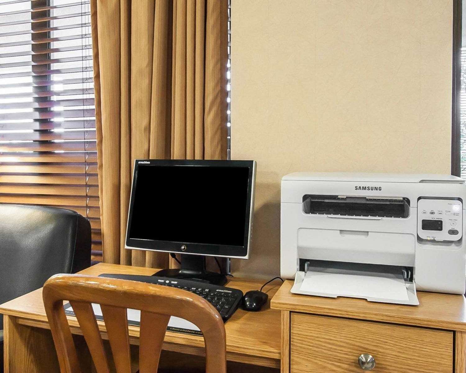 Conference Area - Quality Inn & Suites North Glenstone Springfield