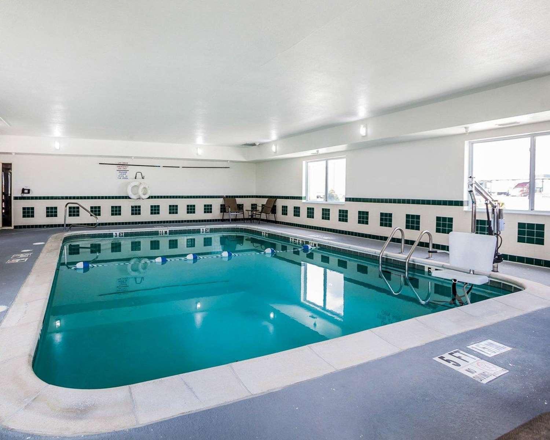 Pool Comfort Inn Moberly