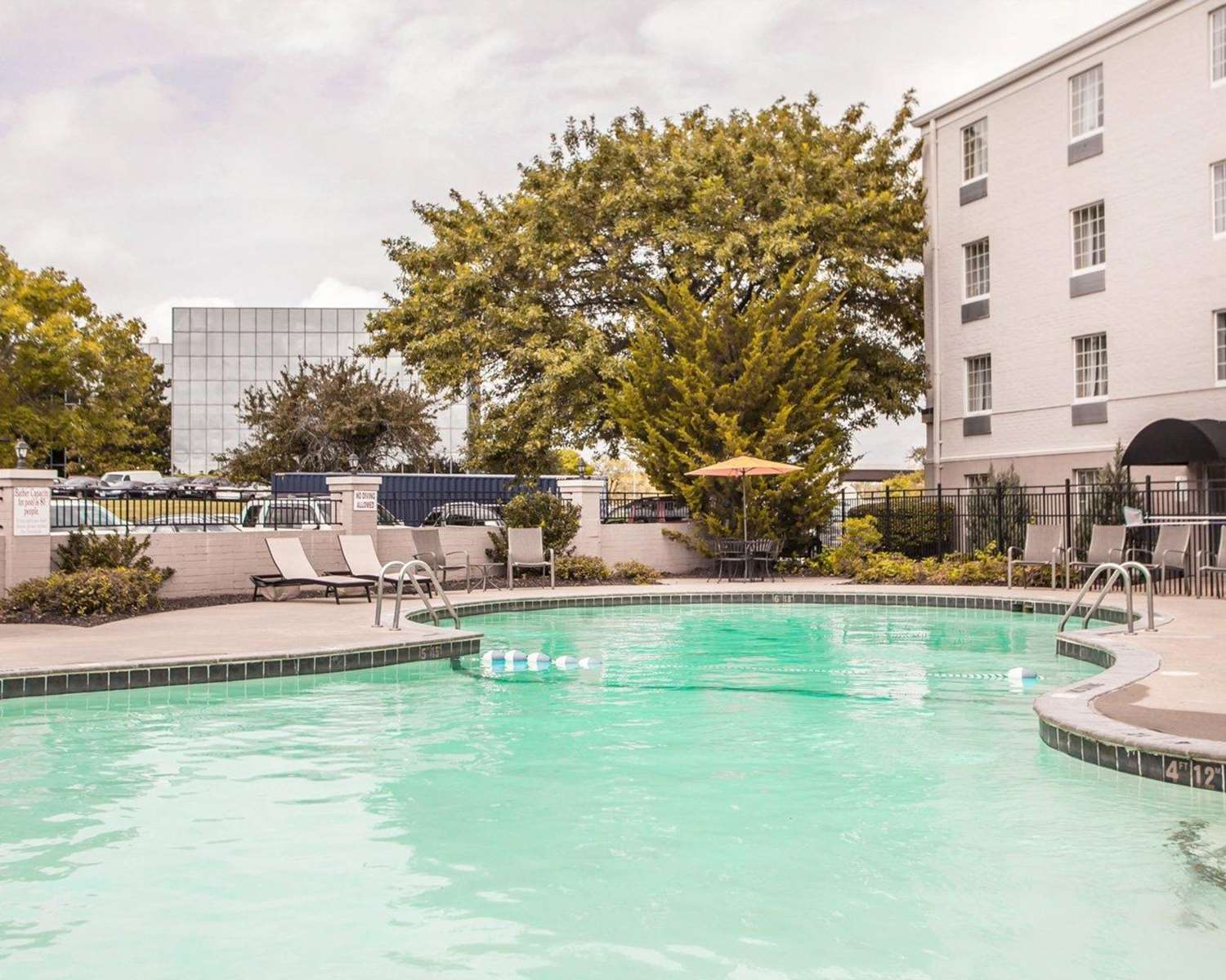 Pool - Comfort Inn Conference Center Maryland Heights