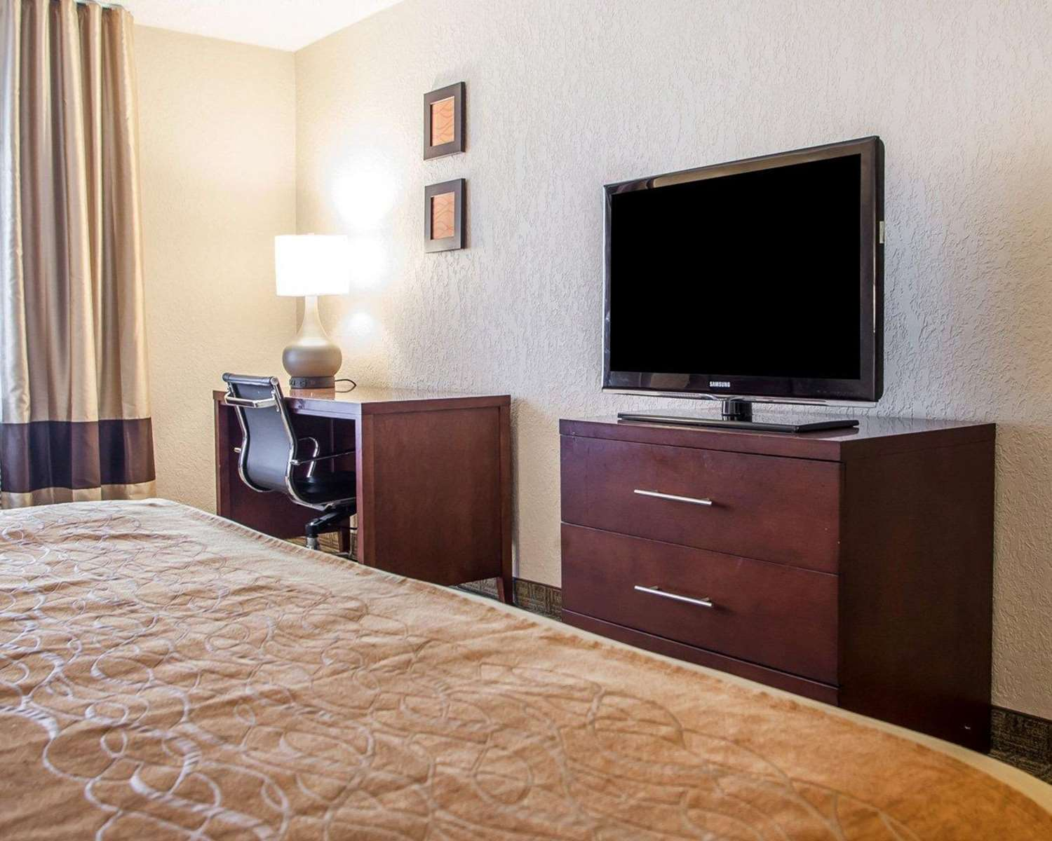 Room - Comfort Inn Conference Center Maryland Heights