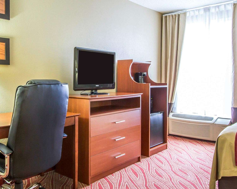 Room - Comfort Inn Poplar Bluff