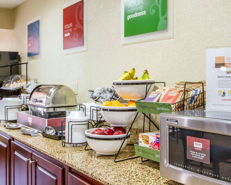 Restaurant - Comfort Inn Poplar Bluff