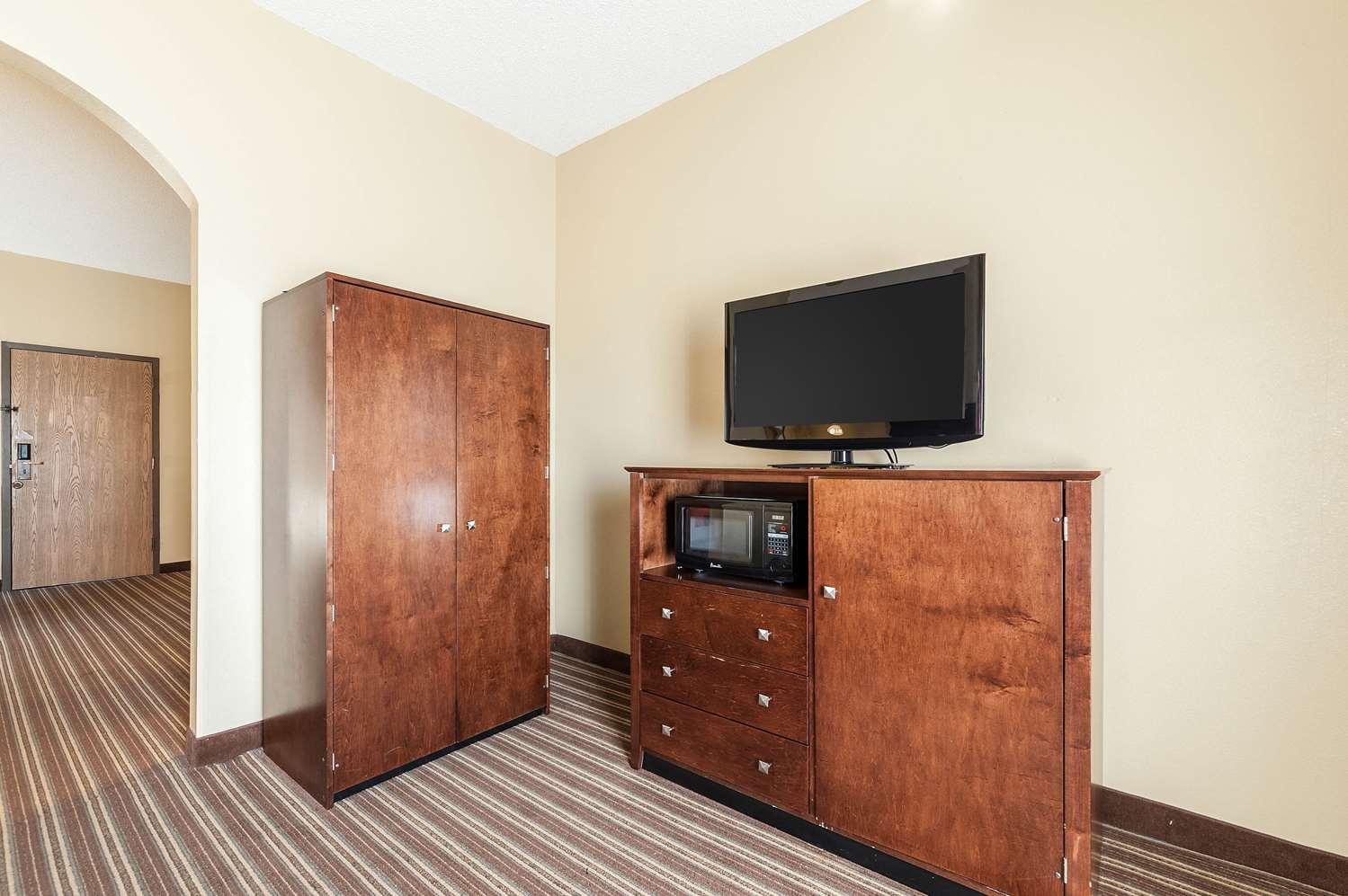 Suite - Comfort Inn Clarksdale