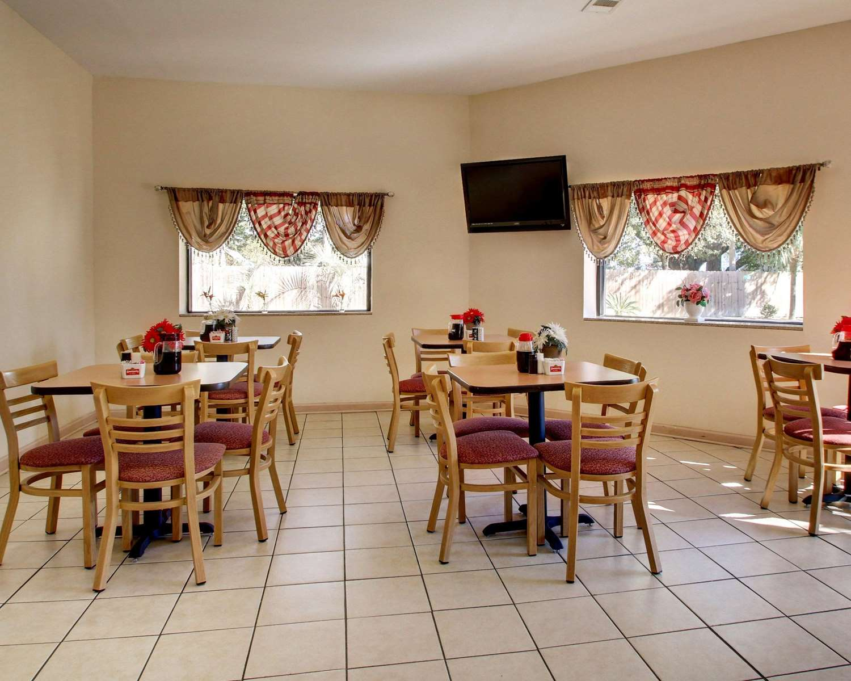 Restaurant - Econo Lodge Biloxi