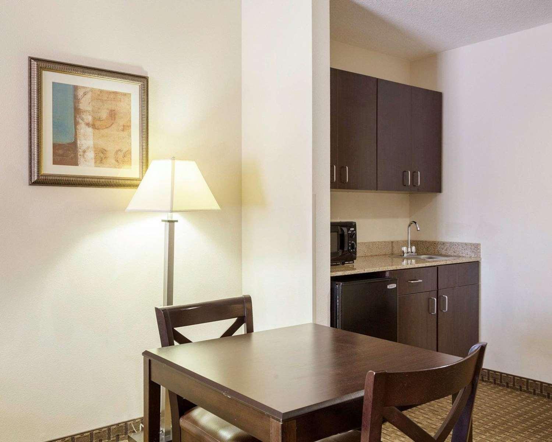 Suite - Comfort Suites Olive Branch