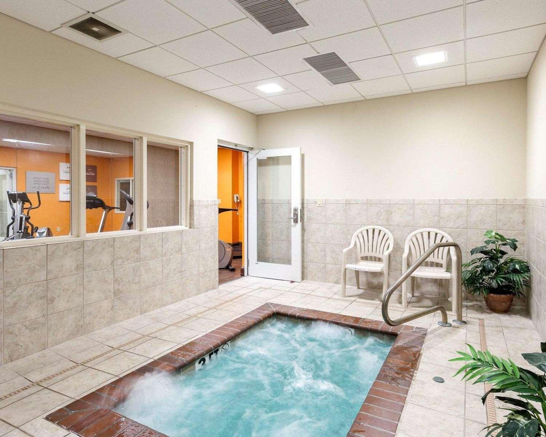 Pool - Comfort Suites Olive Branch
