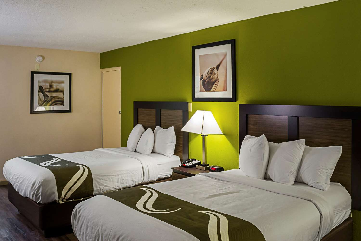 Room - Quality Inn Beach Biloxi