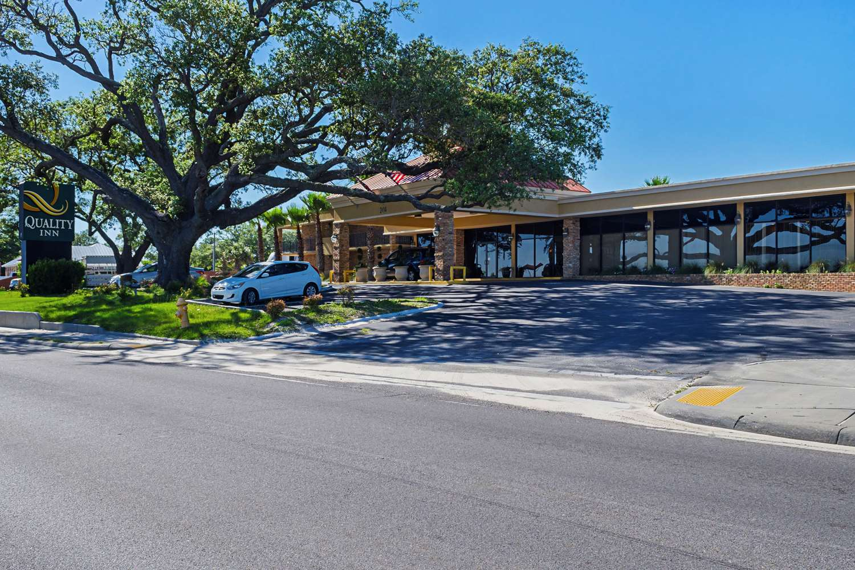 Quality Inn Beach Biloxi Ms See Discounts