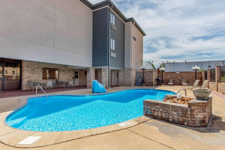 Pool - Comfort Inn & Suites McComb