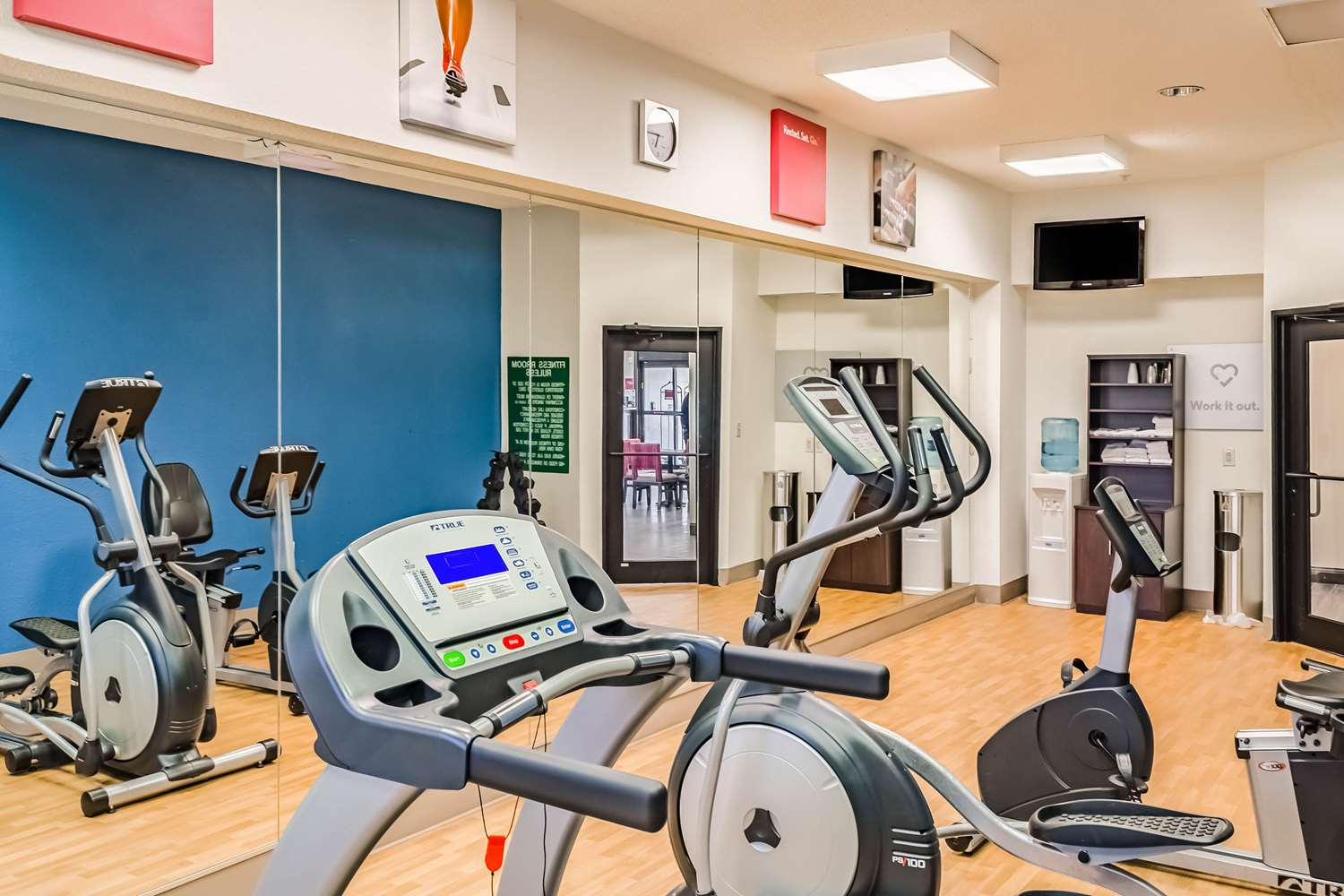 Fitness/ Exercise Room - Comfort Suites Hattiesburg