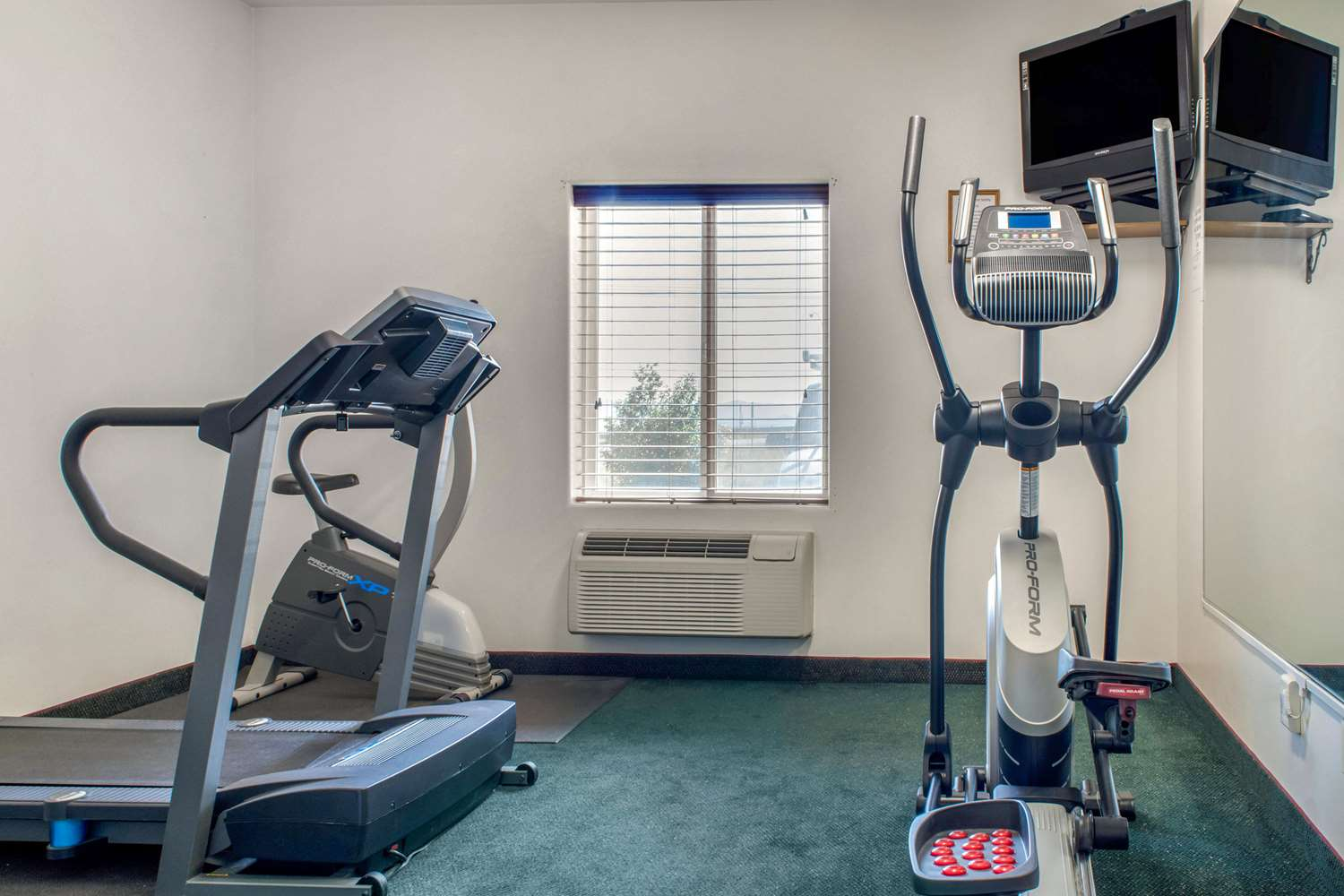 Fitness/ Exercise Room - Quality Inn Airport Helena