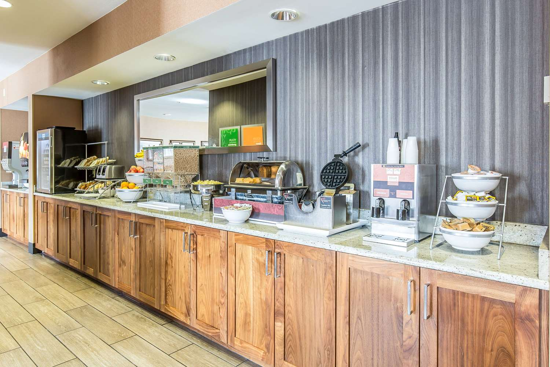 Restaurant - Comfort Inn & Suites Great Falls Airport