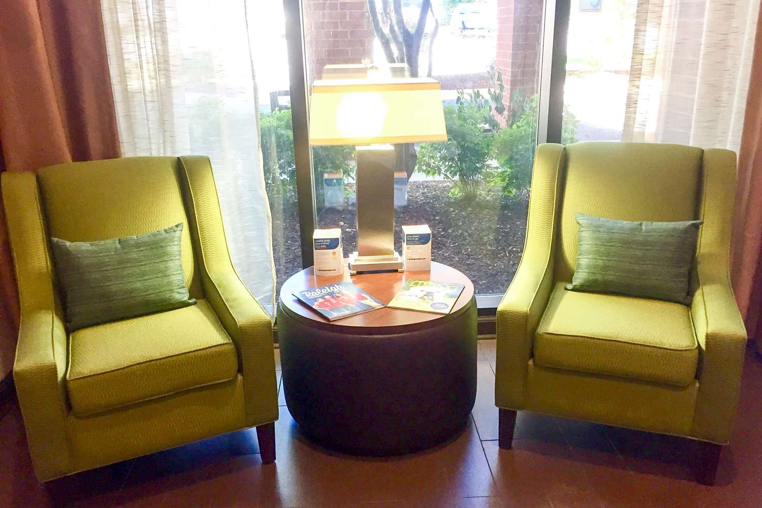 Lobby - Comfort Suites Cary