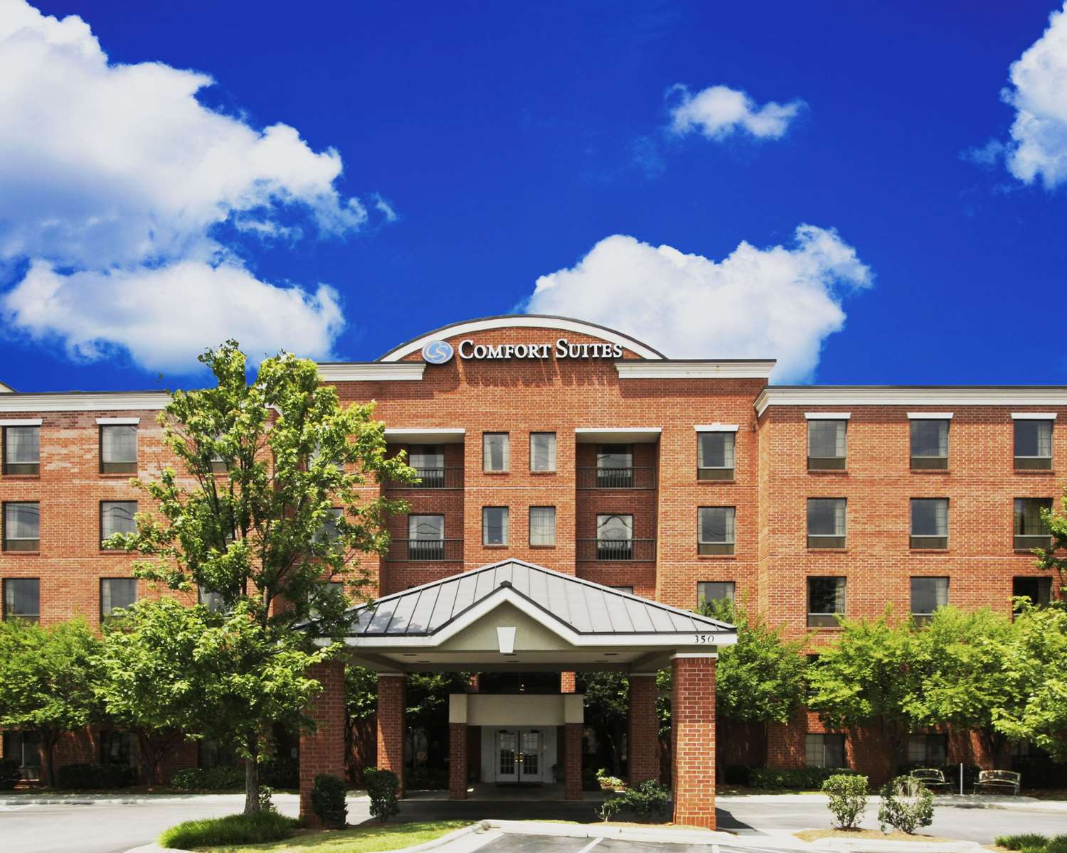 Exterior view - Comfort Suites Cary