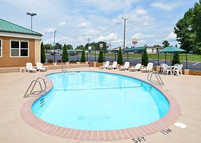 Pool - Comfort Inn Asheboro