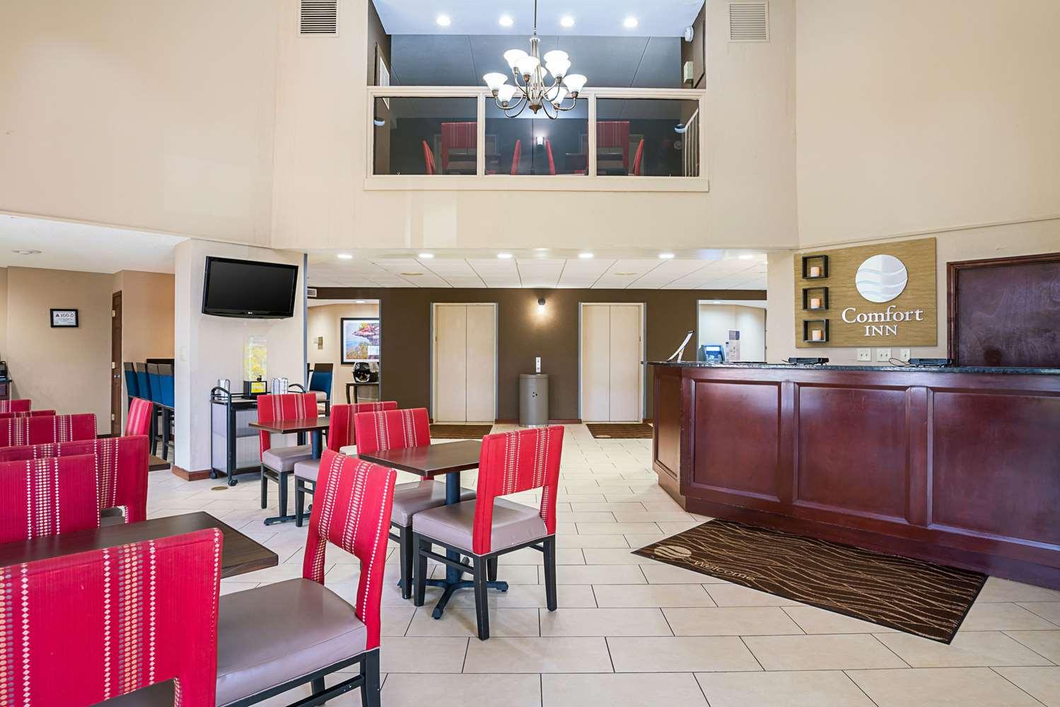Lobby - Comfort Inn Rocky Mount