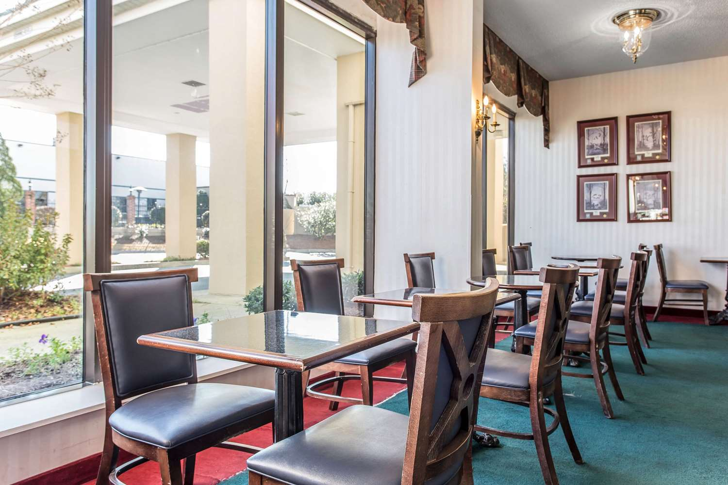 Restaurant - Comfort Inn Laurinburg