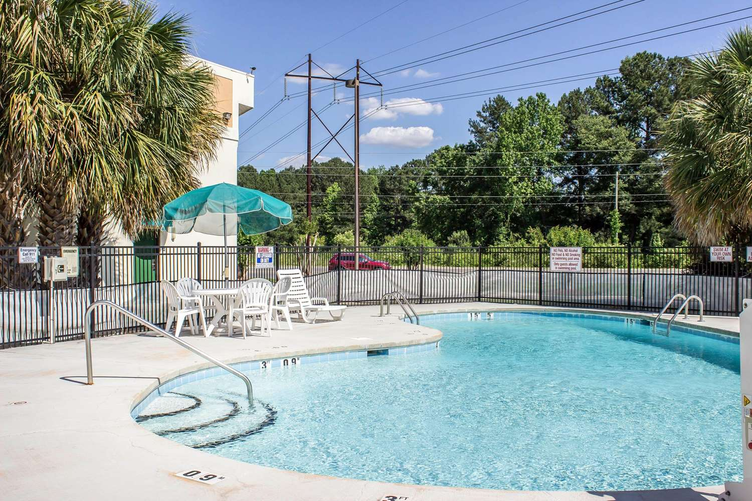 Pool - Quality Inn Selma