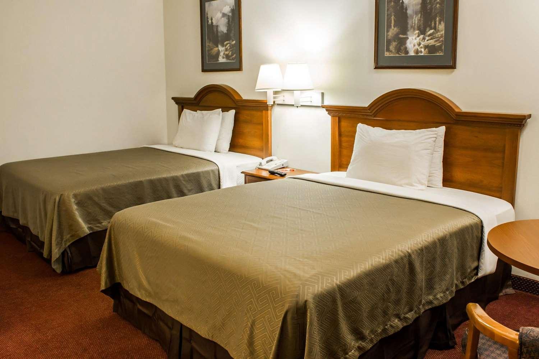 Room - Econo Lodge Goldsboro