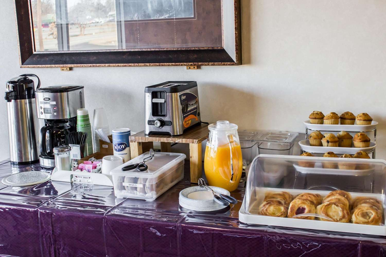 Restaurant - Econo Lodge Goldsboro