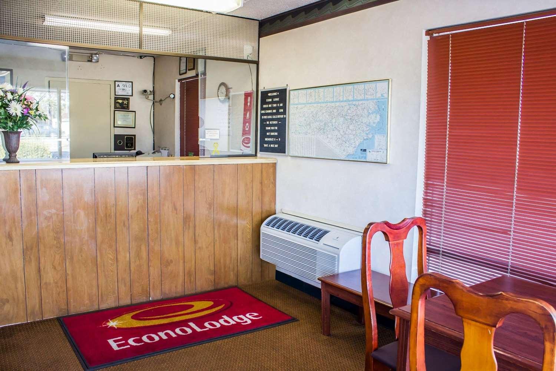 Lobby - Econo Lodge Goldsboro