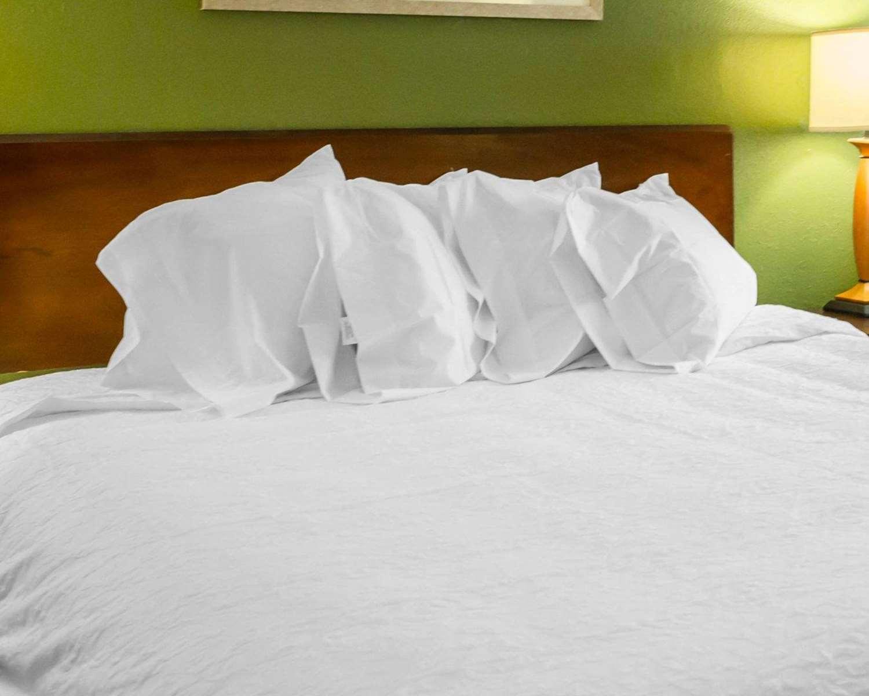 Room - Econo Lodge North Washington