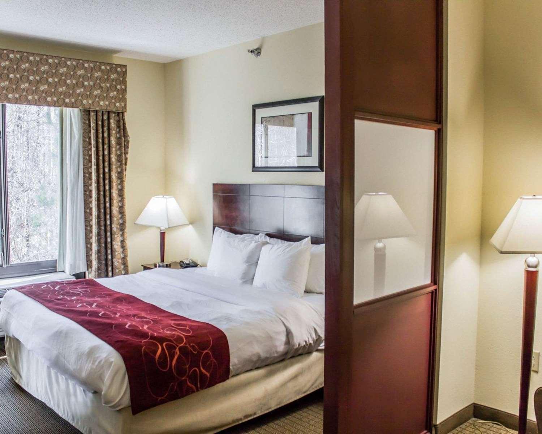 Room - Comfort Suites Clayton