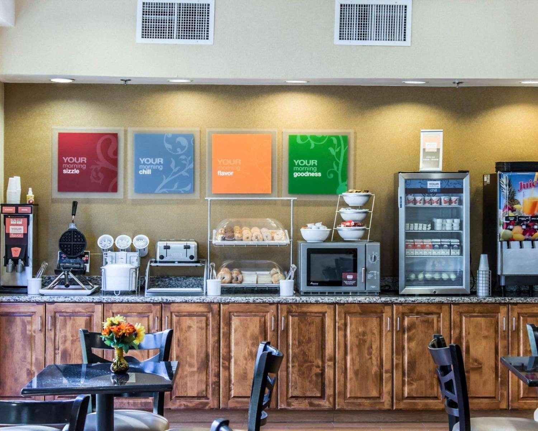 Restaurant - Comfort Suites Clayton