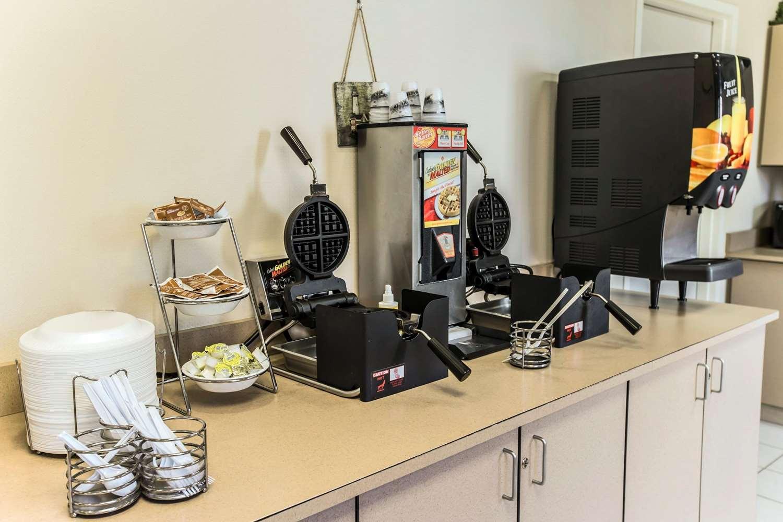 Restaurant - MainStay Suites Wilmington
