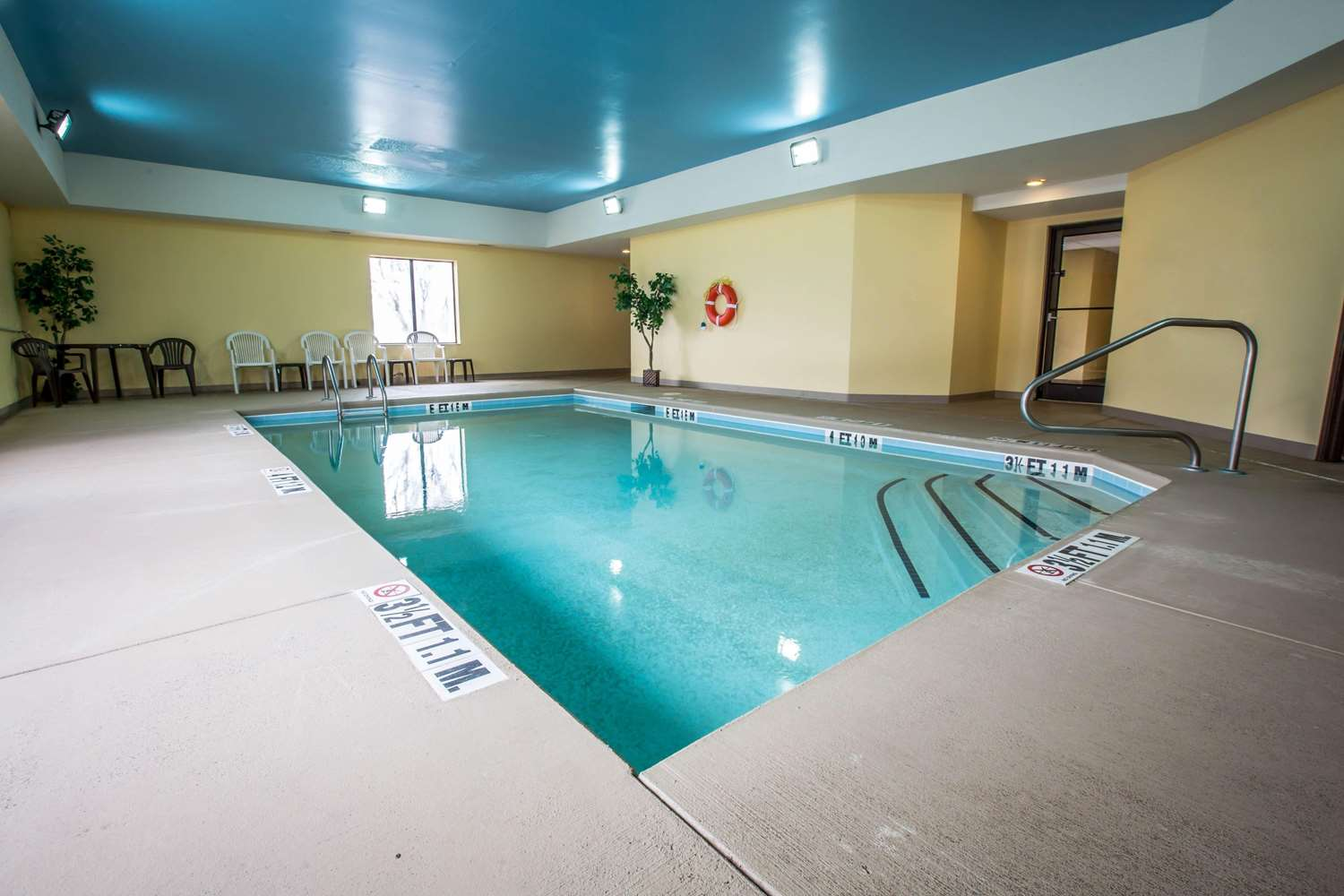 Pool - Comfort Inn Franklin