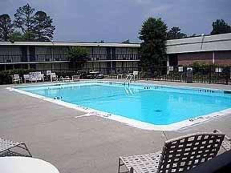 Pool - Quality Inn Elizabeth City