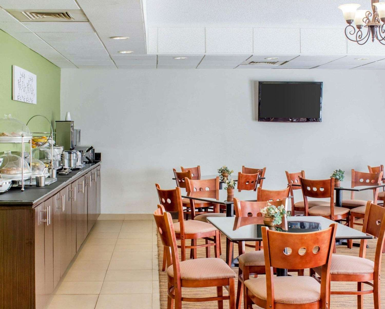 Restaurant - Sleep Inn & Suites Jacksonville