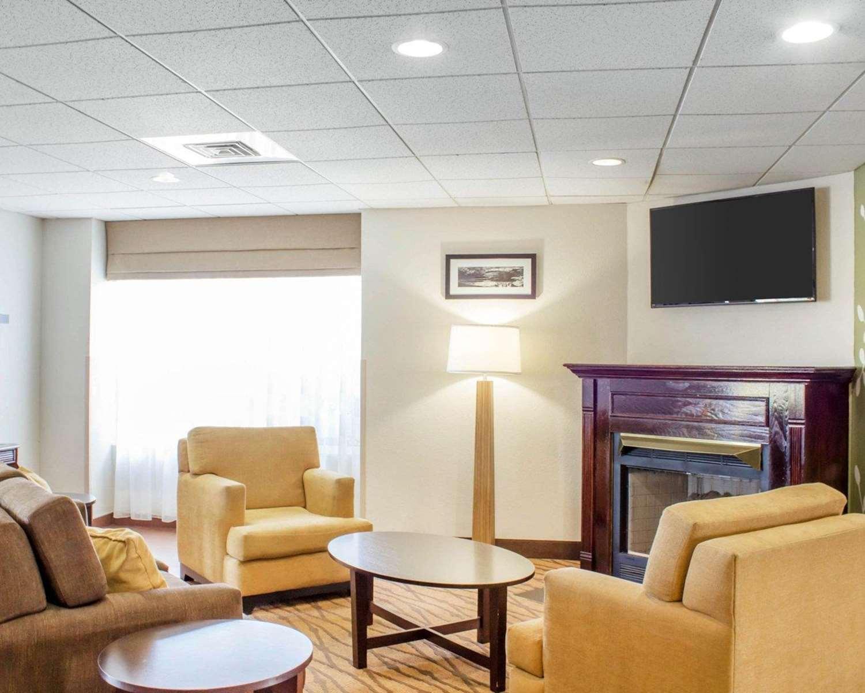 Lobby - Sleep Inn & Suites Jacksonville
