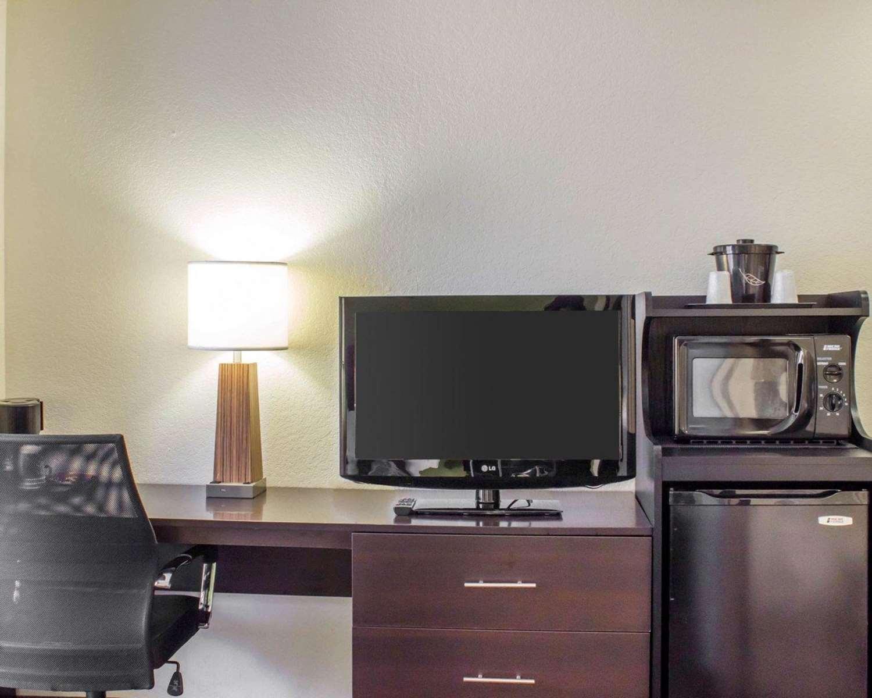 Room - Sleep Inn & Suites Jacksonville