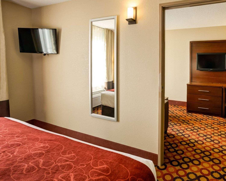 Suite - Comfort Suites Airport Charlotte