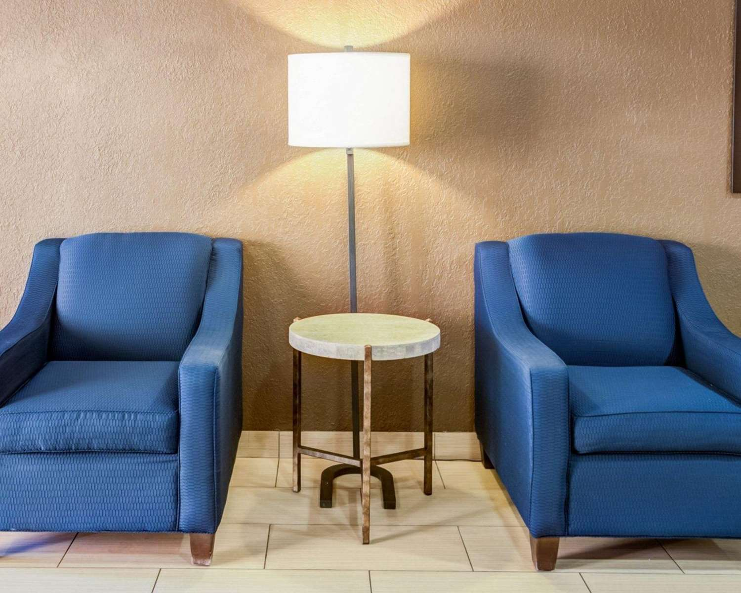 Lobby - Comfort Suites Airport Charlotte