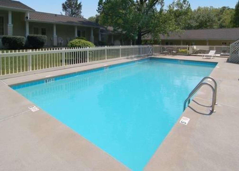 Pool - Rodeway Inn & Suites Cherokee