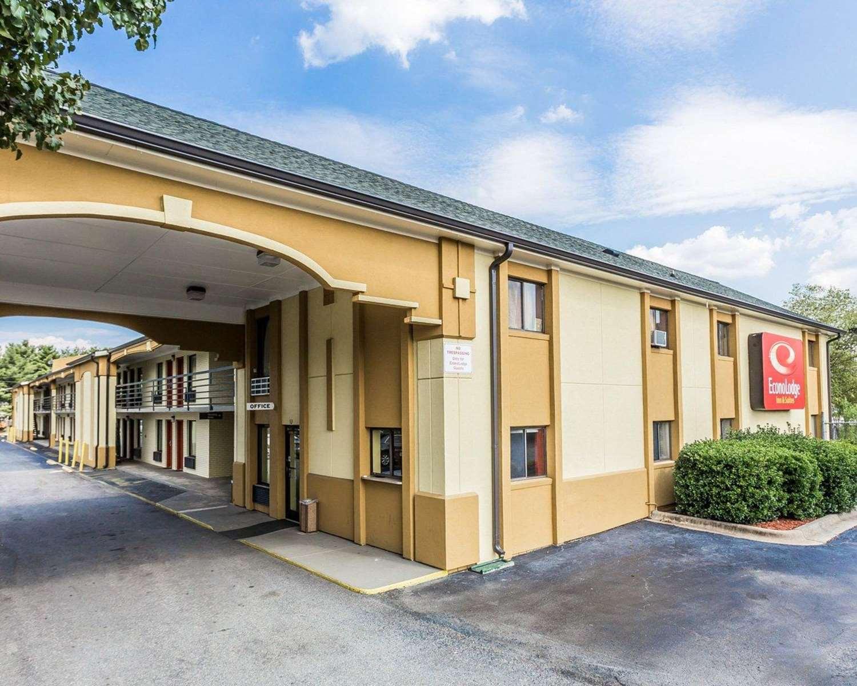 Exterior view - Econo Lodge East Matthews