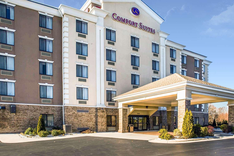 Exterior view - Comfort Suites Greensboro