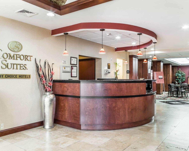 Lobby - Comfort Suites Greensboro