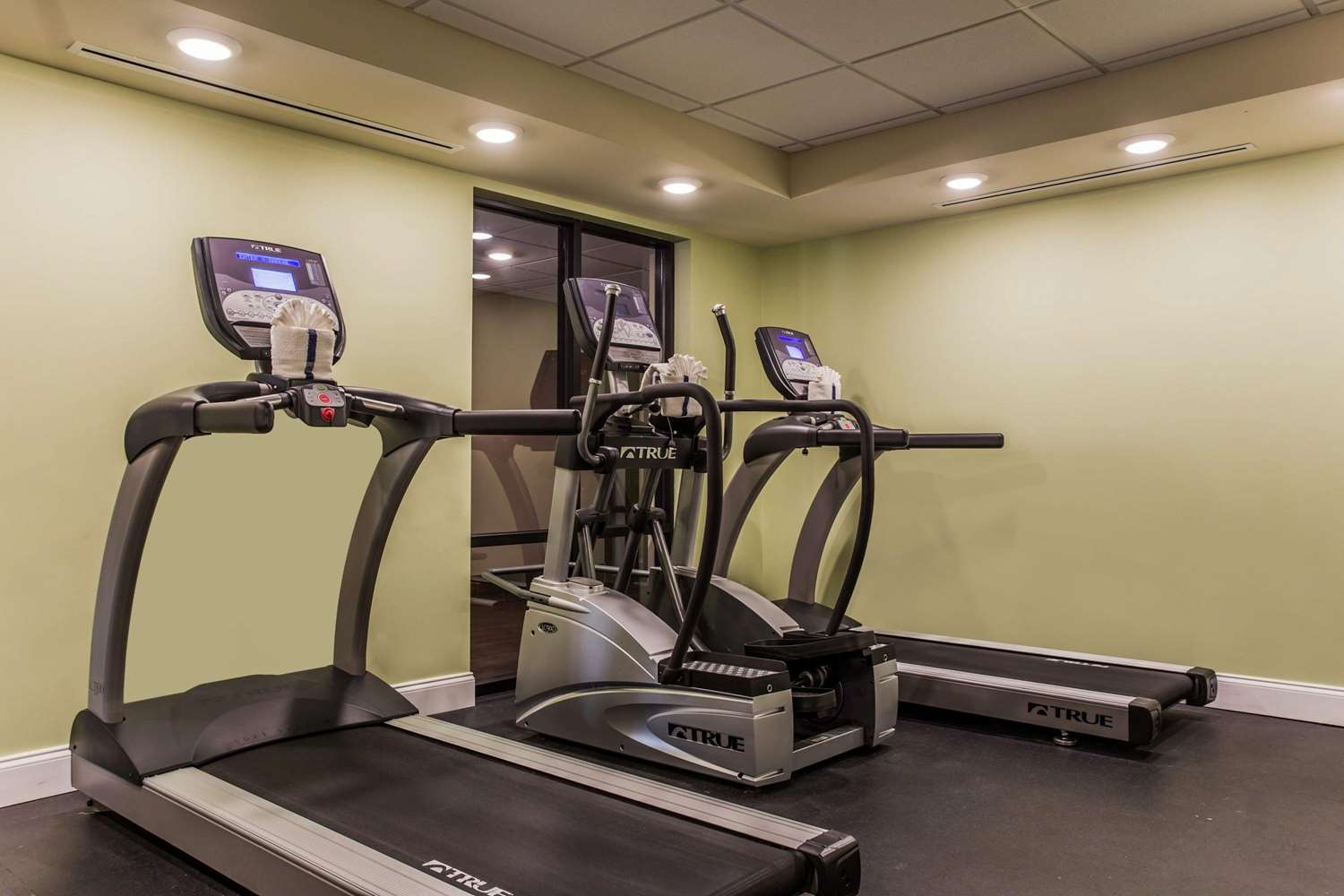 Fitness/ Exercise Room - Clarion Hotel Airport & Conference Center Charlotte