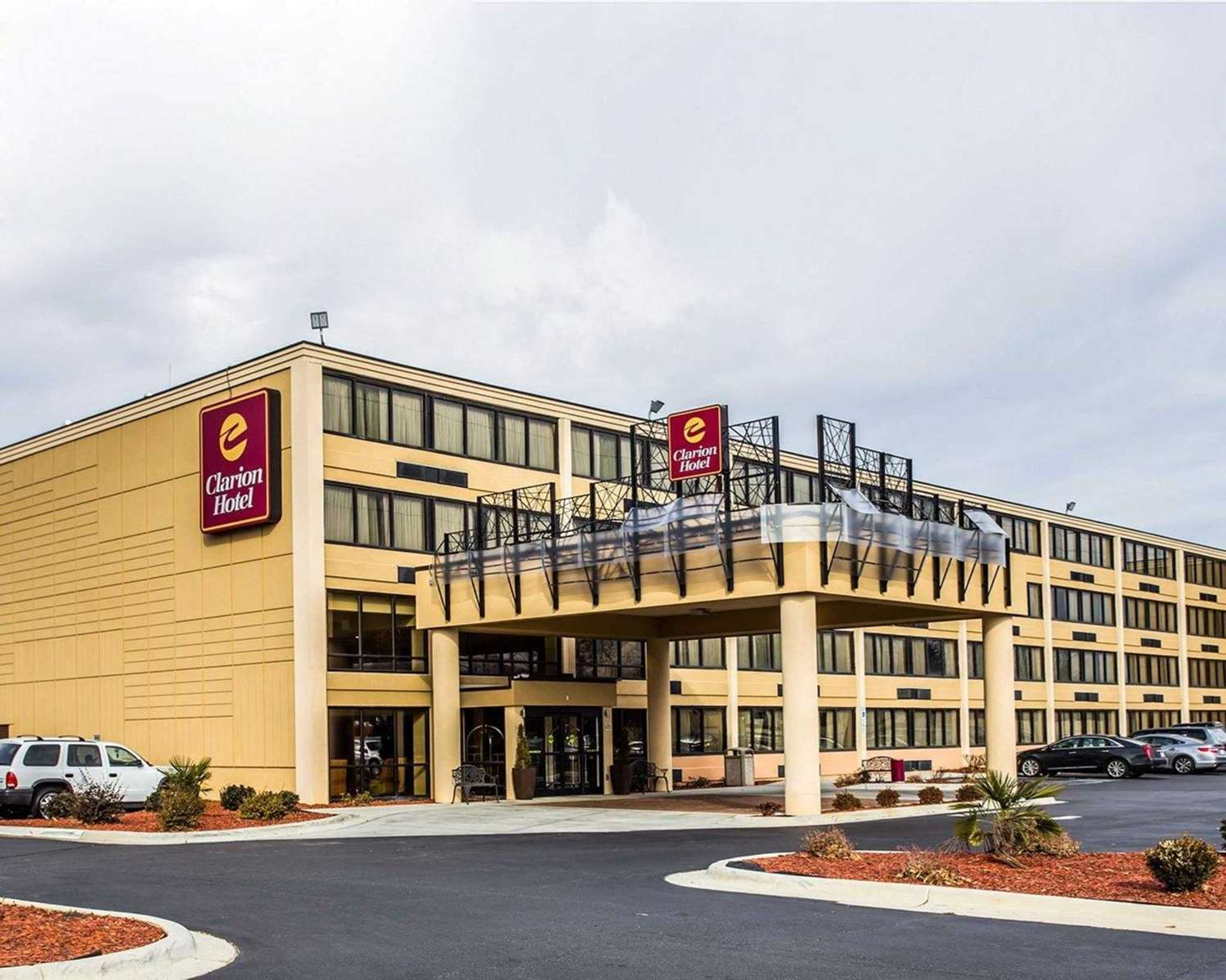 Exterior view - Clarion Hotel Airport & Conference Center Charlotte