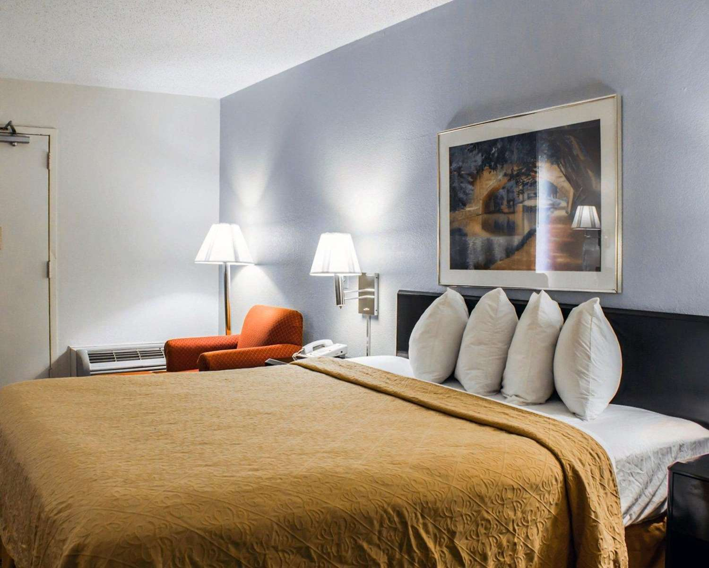 Room - Quality Inn Rocky Mount
